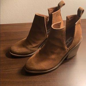 Steve Madden Sharini Booties - Size 6.5 - Tan